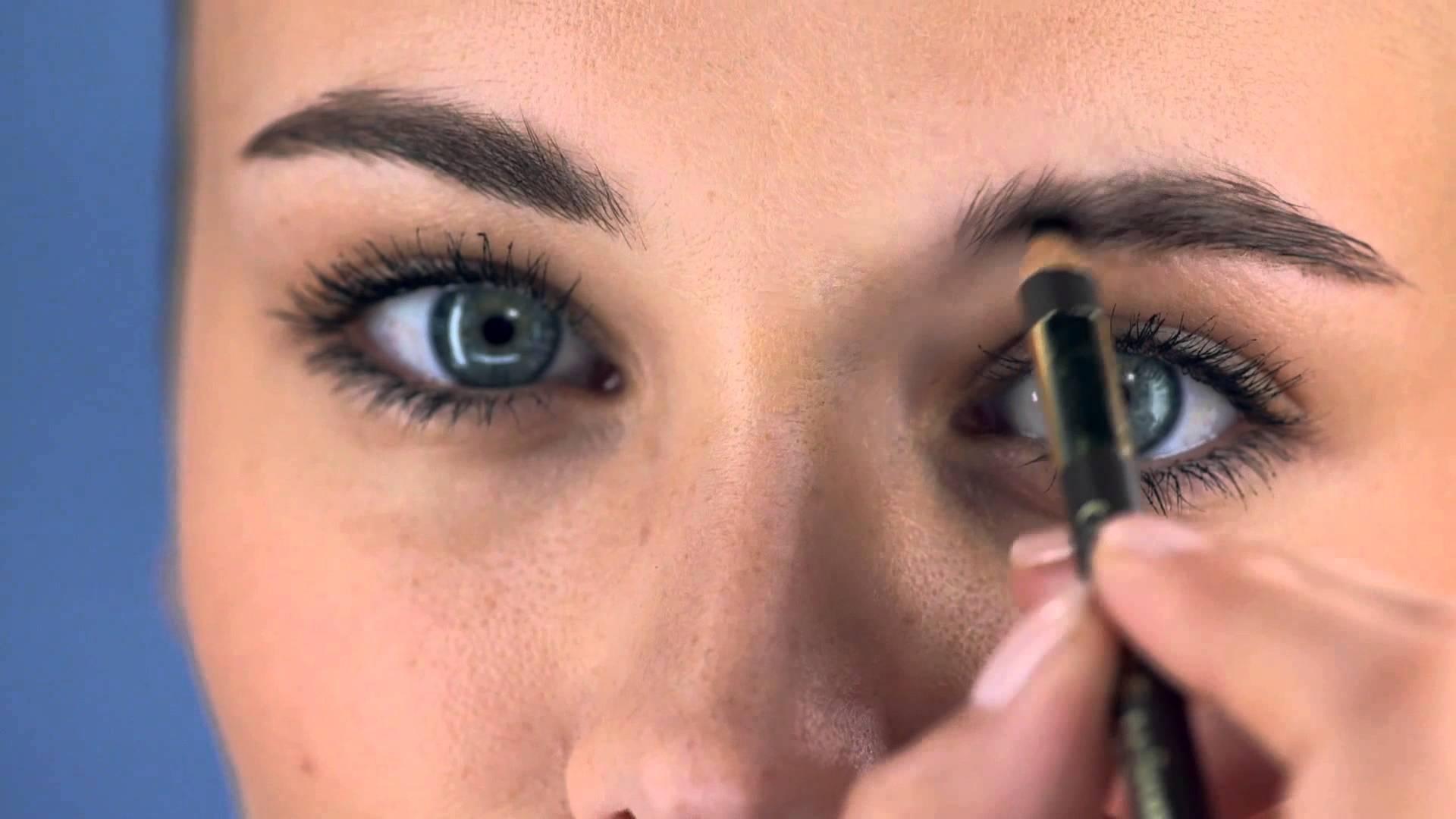 Comment se maquiller les sourcils